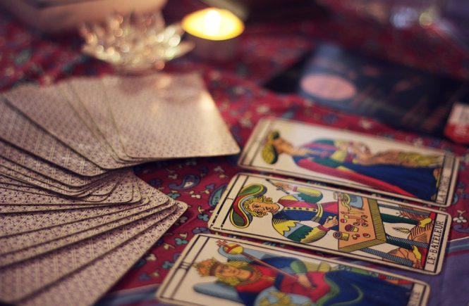 signos del zodíaco y el tarot